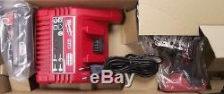 Milwaukee 2641-159 M18 Li-Ion Caulk/Adhesive Gun Kit Euro Style 220-240V