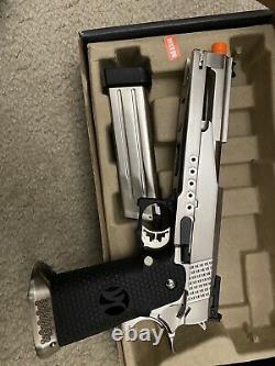 Aw Personnalisé Hx22 Gbb Airsoft Pistol Avec Le Montage De Portée Et Le Kit De Poignée De Cocker
